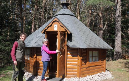 Hébergement en bois pour une famille de 4 personnes